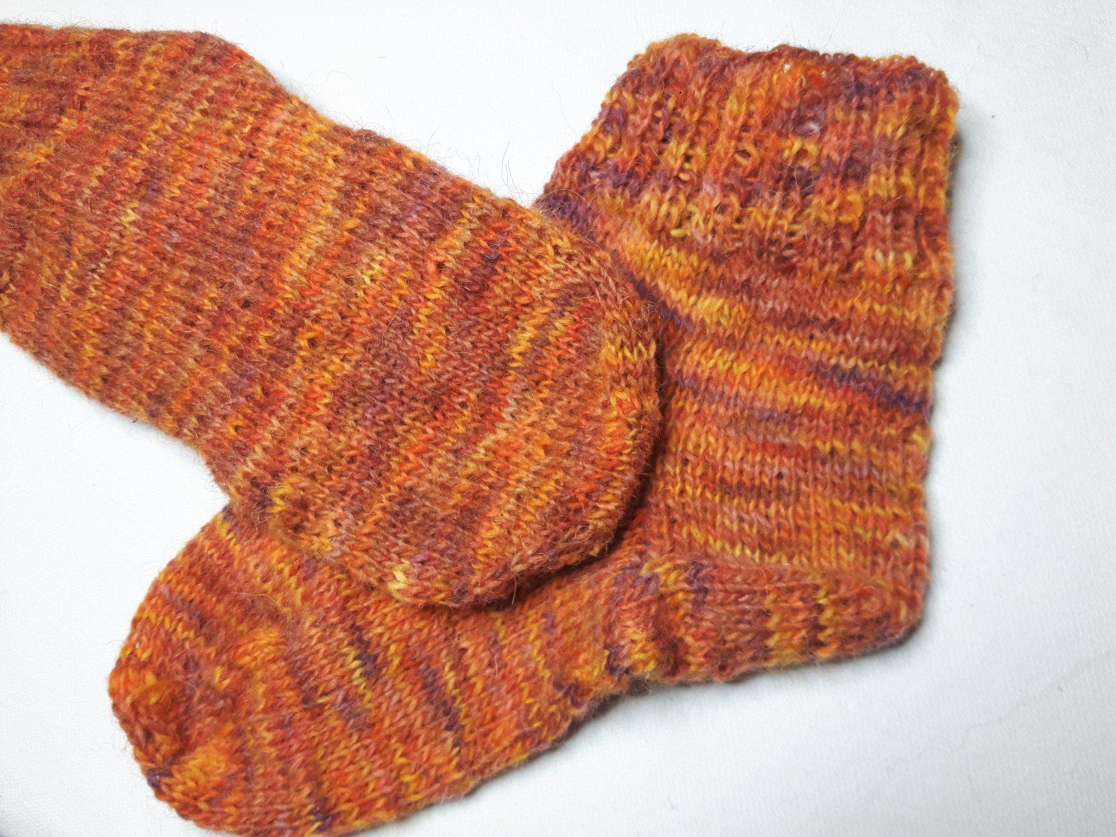 Jak zrobić skarpetki na drutach?, moje pierwsze skarpetki na drutach dla taty, tatrawool, woolniej.pl