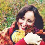 Z serii po nitce do kłębka… – WYWIAD Z DOROTĄ BUČAR – wszechstronną artystką z dziedziny włókiennictwa, specjalistką od roślin motylkowych, twórczynią manufaktury przędzy BERENICE, mamą – przyjaciółką i spełnioną kobietą…